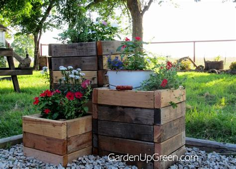 best wood for planter box 25 best ideas about wood planter box on diy