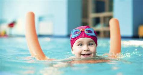 teaching a toddler to swim livestrong