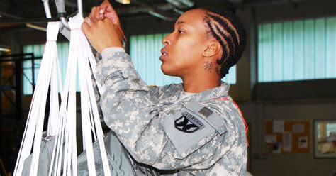 female dreadlocks in navy the united states army finally lifts their ban on dreadlocks
