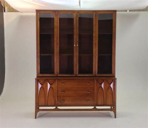 broyhill brasilia buffet hutch china cabinet vintage mid