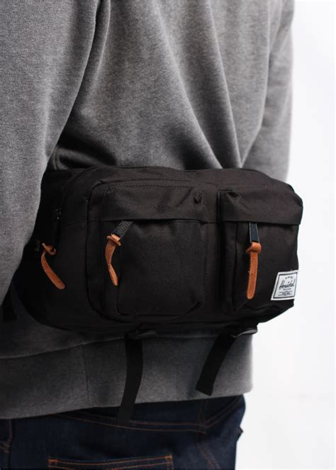 Herschel Supply Hip Back Small herschel supply co eighteen hip bag black