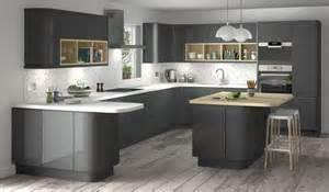 Glossy Black Kitchen Cabinets Lucido Senza Handleless Style Kitchen In Graphite Dark