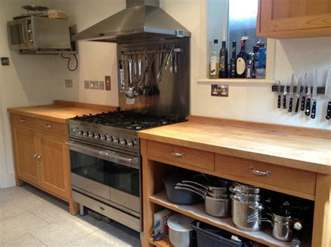 Approx 9yr Old Free standing Habitat Oliva Kitchen with