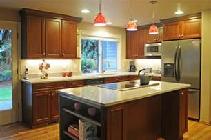 Pendant Kitchen Lights Over Kitchen Island by U Shape Kitchen With Red Pendant Lighting Over Island