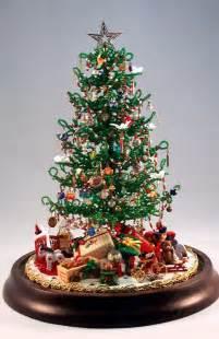 beaded miniature christmas tree holiday ideas pinterest
