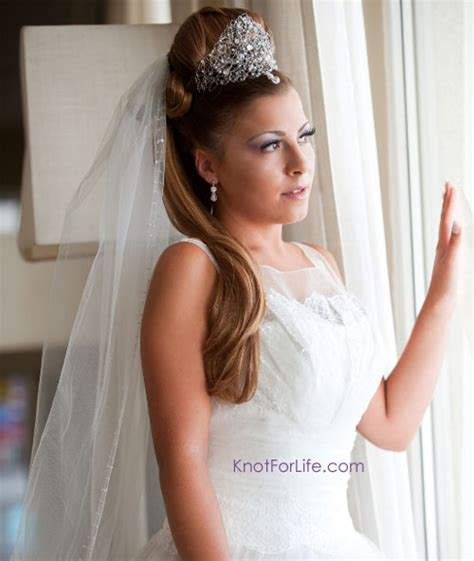 wedding hairstyles with veils and tiaras knot for