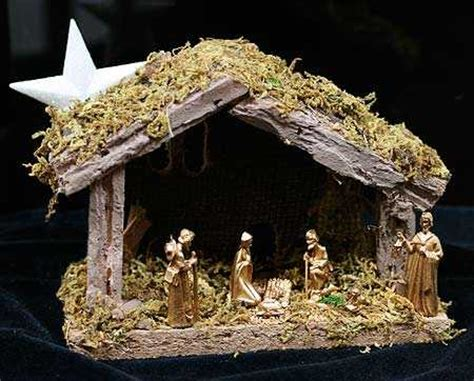 miniature moss covered wooden nativity manger whats  dollhouse miniatures doll