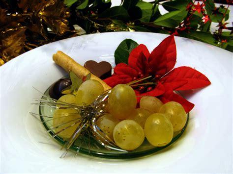 imagenes de uvas de año nuevo 191 por qu 233 comemos 12 uvas en a 241 o nuevo tkm m 233 xico