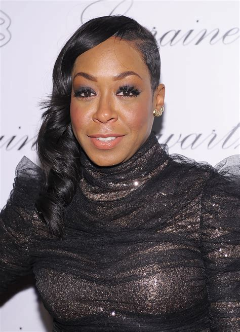 Tichina Arnold Hairstyles by Tichina Arnold Side Sweep Side Sweep Lookbook Stylebistro