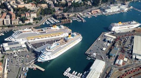 savona porto costa crociere tre navi costa crociere ormeggiate nel porto di savona
