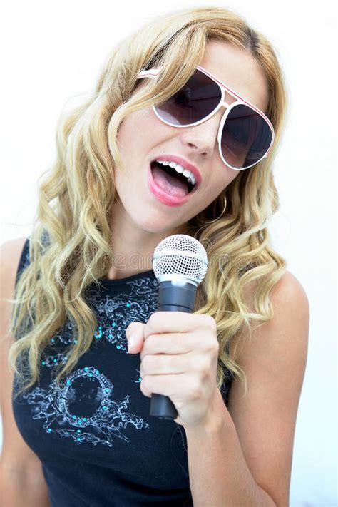 rock  roll female singer female rock star royalty