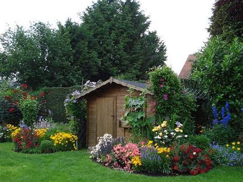 bungalow backyard bungalow cottage backyard garden landscape ideas