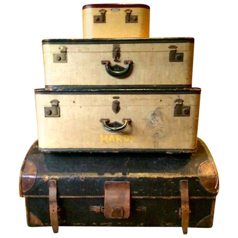 beautiful travel trunks vintage antique steamer travel trunk chest luggage set at