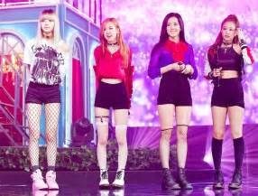 black pink black pink s debut song boombayah hits 150 million views