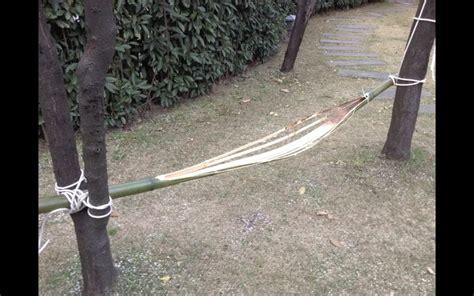 Construire Un Hamac by Comment Construire Un Hamac De Survie Avec Un Seul Bambou