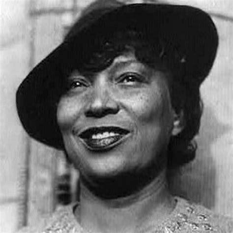 Biography Of Zora Neale Hurston   zora neale hurston activist civil rights activist