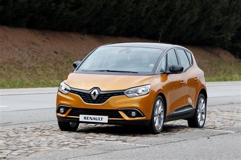 renault scenic 2017 renault drops massive gallery with new scenic grand