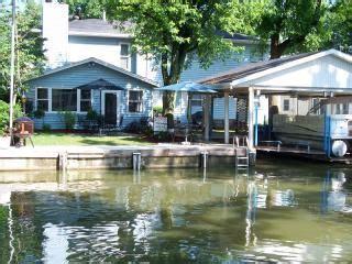lake house rentals ohio indian lake ohio vacation house rental 5 bed ahoy tecumseh island retreat 162980