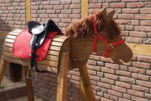 holzpferd garten gebraucht die pferde