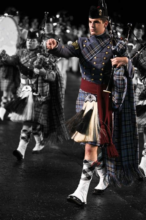 edinburgh tattoo what to wear 17 best images about scotland military weapons on