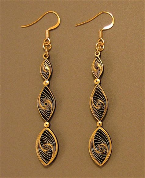quilling tutorial for earrings all things paper quilling 101 gilded earrings
