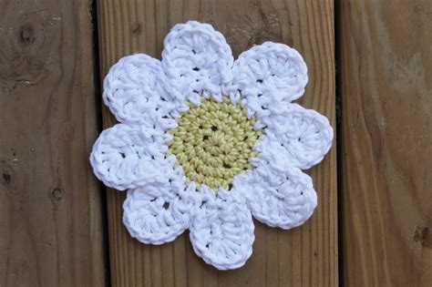 pattern crochet daisy crochet daisy pattern a step by step tutorial