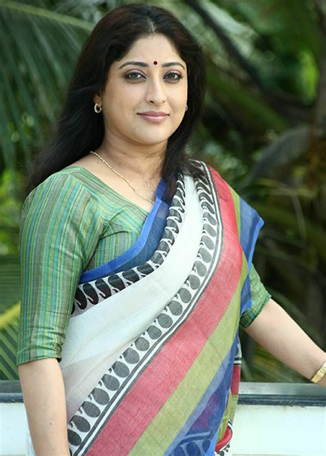 kannada film actress lakshmi family photos lakshmi gopalaswamy wiki lakshmi gopalaswamy biography