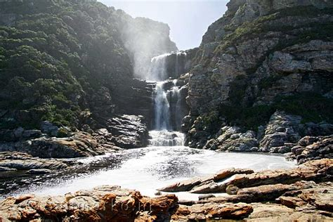 Blind River On De Mooie Waterval Langs Het Otter Trail In Tsitsikamma