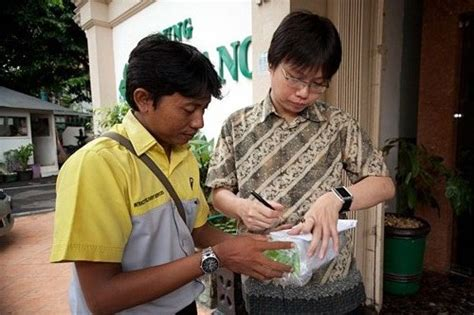 blibli express service pr pertama di indonesia launching telkomsel iphone 4s