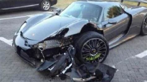 porsche 918 crash porsche 918 spyder crash aftermath photo