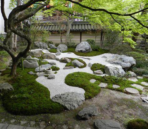 japanese zen gardens zen sand garden at eikando zenrin ji tokyo kyoto