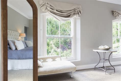 feng shui mirrors bedroom how to use mirrors for good feng shui