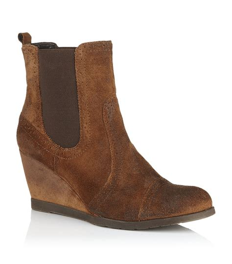carvela kurt geiger scaffold suede boot in brown lyst
