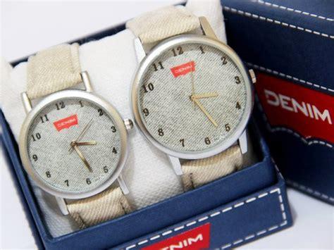 Ready 4 Pilihan Warna Jam Tangan Pria Wanita Tanggal Hari On jam tangan pria wanita denim ada 4 pilihan warna