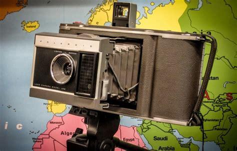 wallpaper camera polaroid wallpaper macro polaroid camera background images for