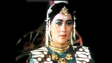Film Indonesia Tentang Nyi Roro Kidul | 5 momen ini buktikan suzanna layak dapat gelar ratu horor
