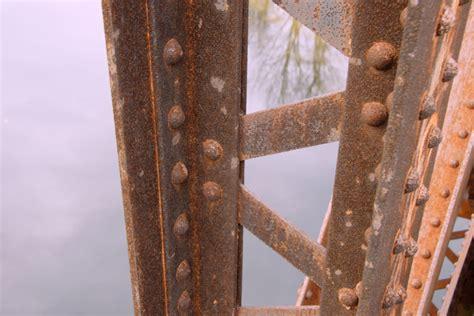 Verrostetes Metall Streichen by Stahltr 228 Ger Entrosten 187 So Wird S Gemacht