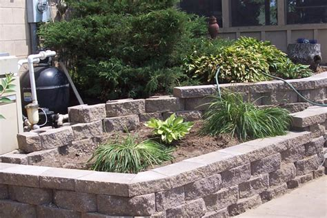 Retaining Wall Landscaping Ideas Triyae Landscaping Ideas For Backyard With Retaining Wall Various Design Inspiration For