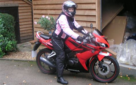 New Rider Sport R762b new rider i ve fallen in with a sports bike mcn