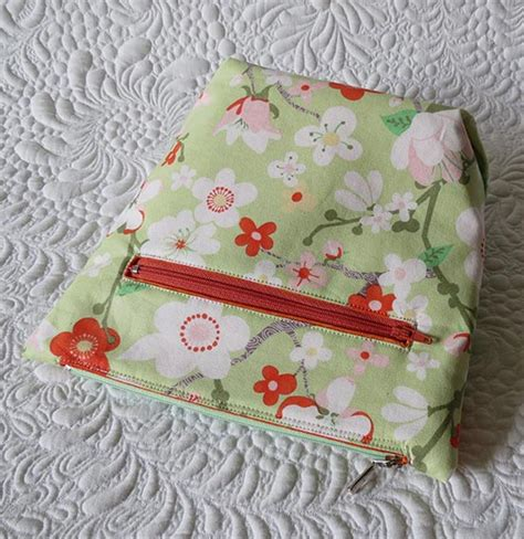 easy zippered pouch pattern quick and easy zipper pouch patterns
