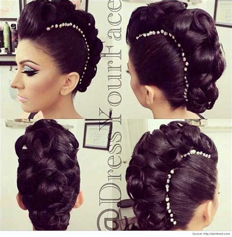 how to curl your hair and wear bananaclip rock your hair with deep purple color mohawks classy