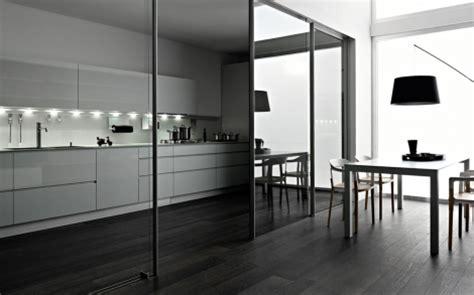 küchenblock für kleine küchen wohnzimmer rot weiss schwarz