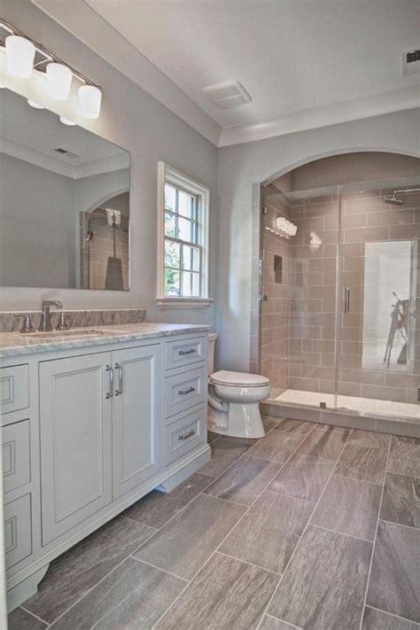 hauptbadezimmer ideen die besten 25 transitional showers ideen auf