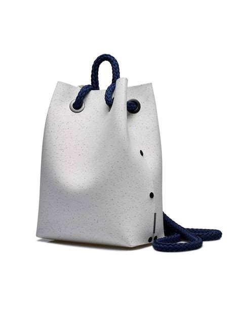 Evas Fashionable And Charitable Bag by 25 Best Ideas About Side Bags On Salad Bag