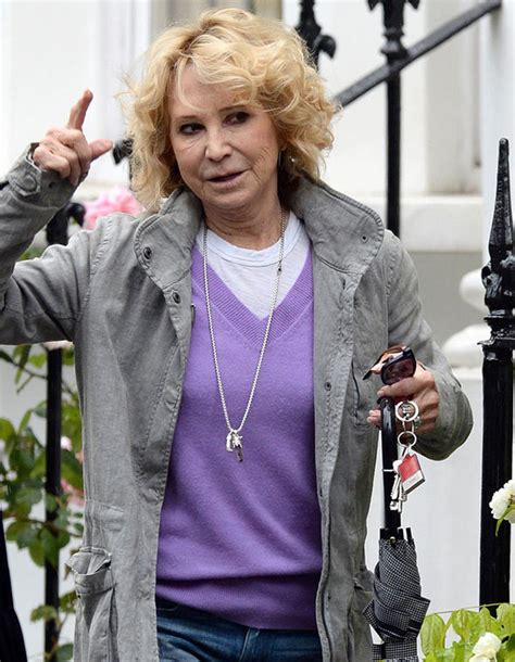 felicity kendal hairstyle 2015 felicity kendal shows off au natural after scrapping botox