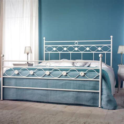testate letto ferro battuto letto in ferro battuto mod incanto cm 168x202x126 h