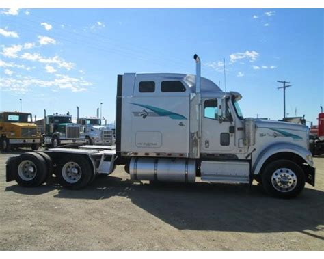 Eagle Sleeper For Sale by 2001 International 9900i Eagle Sleeper Truck For Sale