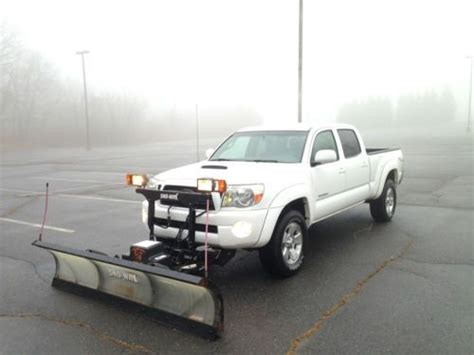 Snow Plow For Toyota Tacoma Find Used Crew Cab 4x4 Trd V6 4 0l Snow Plow No Reserve In