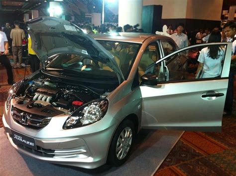 honda brio thailand price honda brio amaze launched in thailand at 8 17 lac