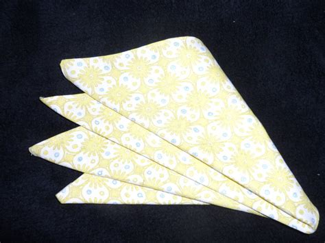 Origami Napkin - how to fold origami napkins lots o fabric